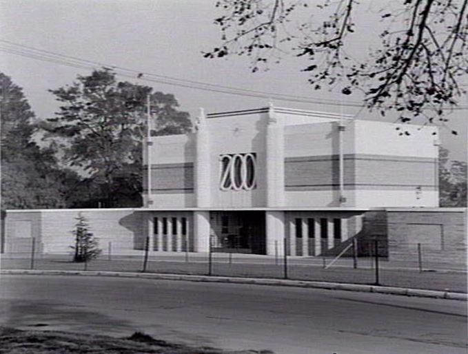 Black and white photo of front entrance of Melbourne Zoo.